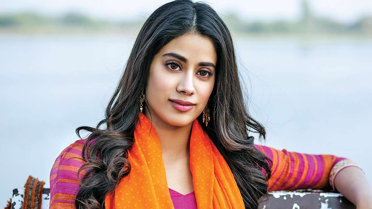 Jhanvi Kapoor - Film, Age, Height, Weight and Income