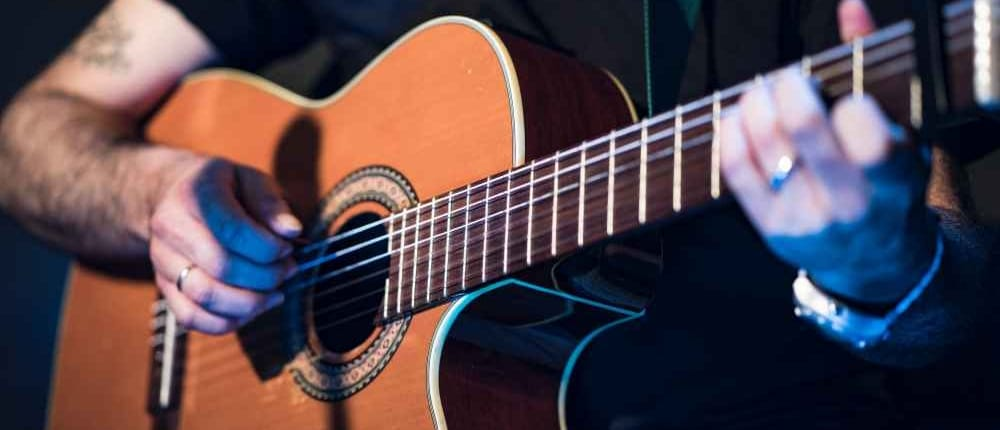 3 Little known Benefits of playing guitar